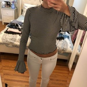 Forever 21 stretchy cotton long sleeve crop top